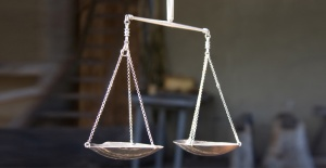 balance-scale-770x400
